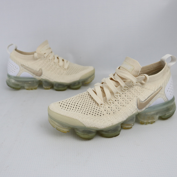 147bf9954 Nike Air Vapormax Flyknit 2.0 Light Cream Gold. M 5c020697194dad67bf8a24e0